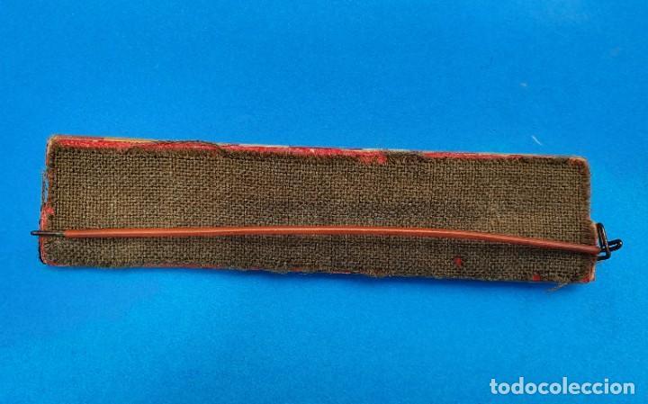 Militaria: Pasador Con Medallas Militares Originales + Pasador de diario con 6 condecoraciones - Foto 4 - 267059949