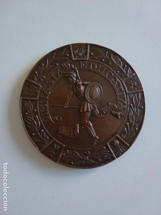 MEDALLA CAMPEONATOS MILITARES NACIONALES DEPORTIVOS GIMNASIA EDUCATIVA 1944 - 7 CM. 120 GRAMOS. (Militar - Medallas Españolas Originales )
