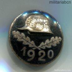 Militaria: PLACA CONMEMORATIVA DEL STAHLHELM. DIENSTEINTRITTSABZEICHEN. FECHA 1920. CON MARCAJES. 30 MM.. Lote 268400134