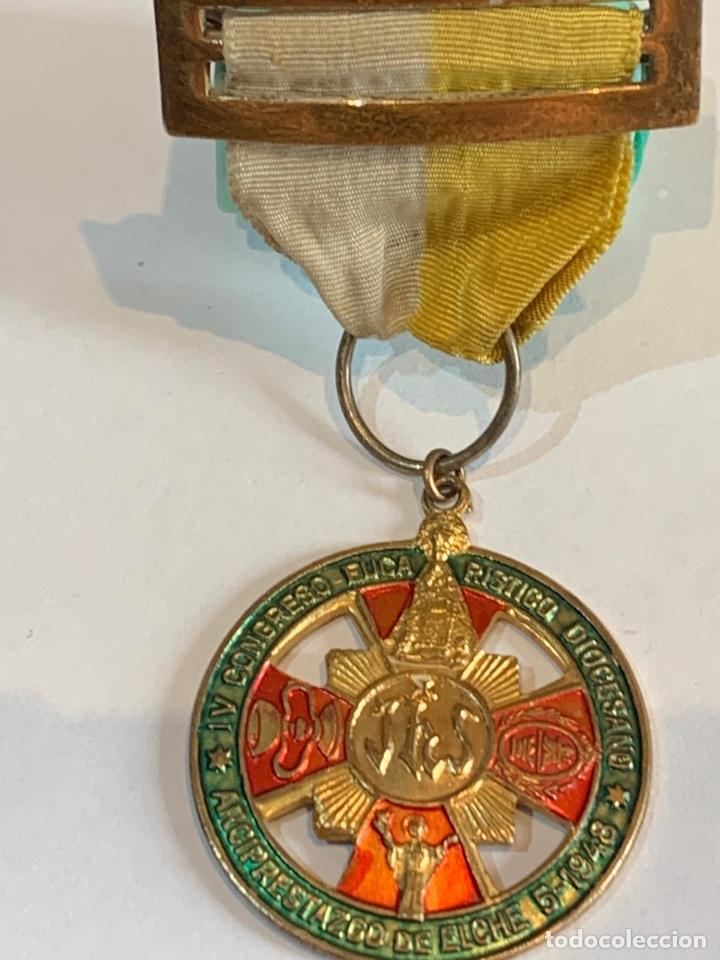 Militaria: Medalla del IV congreso Eucarístico Diocesano -Arciprestazco de Elche 1948 - Foto 4 - 268620809