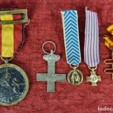 Militaria: COLECCION DE 5 INSIGNIAS MILITARES. FRANCIA Y ESPAÑA.METAL ESMALTADO. SIGLO XX.. Lote 269598338
