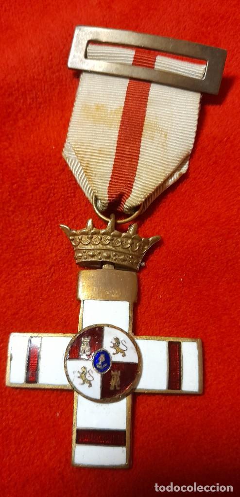MEDALLA AL MERITO MILITAR CON DISTINTIVO BLANCO PENSIONADA (Militar - Medallas Españolas Originales )