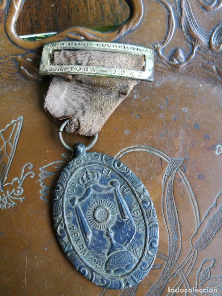 MEDALLA ASAMBLEA EUCARÍSTICA SANTOÑA 1943 (Militar - Medallas Españolas Originales )