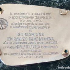 Militaria: EL AYUNT. DE LLORET DE MAR. 1A MEDALLA ~HOJA LAUREL~CAT. ORO~ OTORGA A FCO.FRANCO. PLATA Y ORO 1966. Lote 276259908