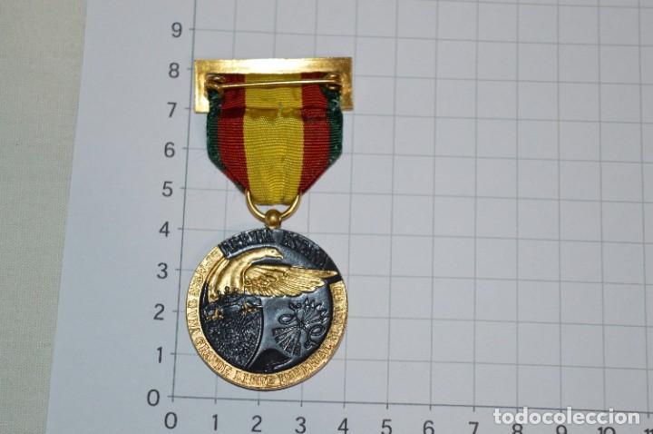 Militaria: VINTAGE - MEDALLA ORIGINAL / 17 DE JULIO DE 1936 - ANTIGUO RÉGIMEN - EXCELENTE ESTADO - ¡Mira fotos! - Foto 2 - 276657193