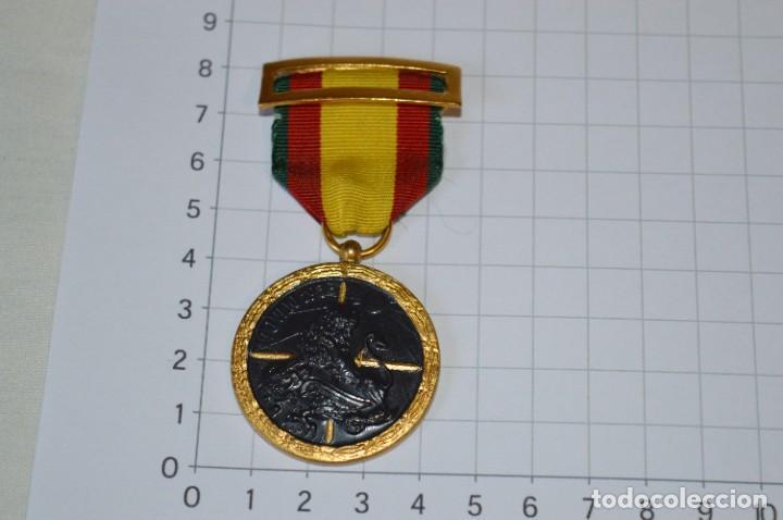 VINTAGE - MEDALLA ORIGINAL / 17 DE JULIO DE 1936 - ANTIGUO RÉGIMEN - EXCELENTE ESTADO - ¡MIRA FOTOS! (Militar - Medallas Españolas Originales )