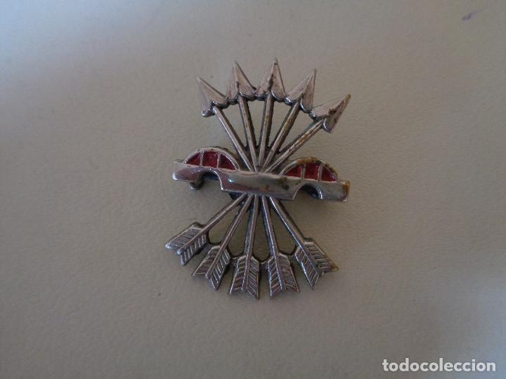 INSIGNIA FALANGE PARA DIVISION AZUL LLAMADA AGUINALDO (Militar - Medallas Españolas Originales )