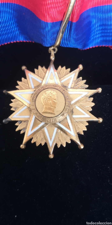 ENCOMIENDA DE LA ORDEN DE BERNARDO O'HIGGINS CHILE, PLATA BAÑADA EN ORO CON SU ESTUCHE (Militar - Medallas Internacionales Originales)