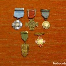 Militaria: LOTE 5 MEDALLAS ANTIGUAS AL MERITO LABORAL, ESCOLAR O RELIGIOSO, ORIGINALES.. Lote 278418503