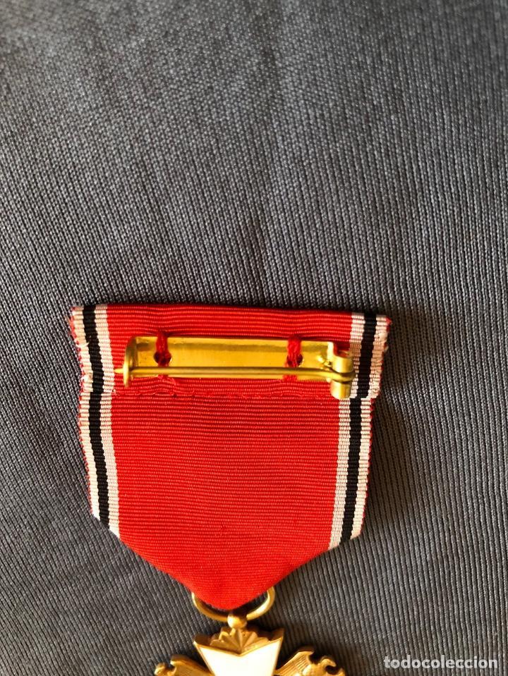 Militaria: ORDEN DEL AGUILA ALEMANA. Verdienstorden vom Deutschen Adler. 2ª Clase. Con espadas. - Foto 5 - 278530643