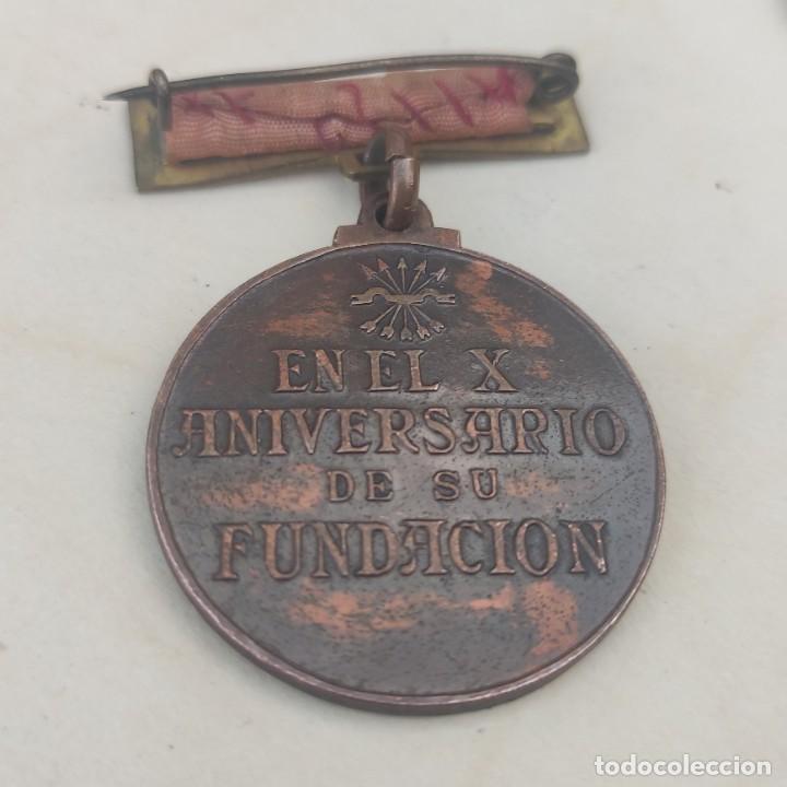 Militaria: Medalla de la sección femenina de la Falange - Foto 2 - 278615653