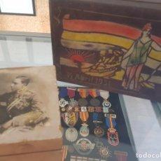 Militaria: LOTE DE DOS CAJAS DE EPOCA REPUBLICA Y EPOCA ALFONSINA. Lote 279377648