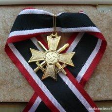 Militaria: CRUZ DE CABALLERO DE LA CRUZ AL MÉRITO DE GUERRA 1939 - CON ESPADAS (ORO). Lote 284478088