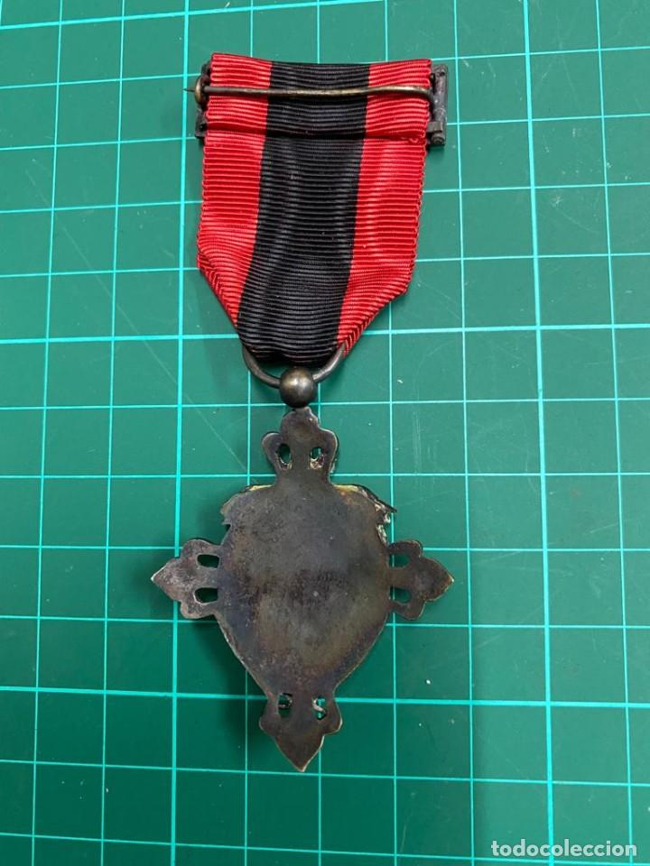 Militaria: Medalla Falange, Seu Honor y Gratitud. cisne blanco - Foto 3 - 284774038