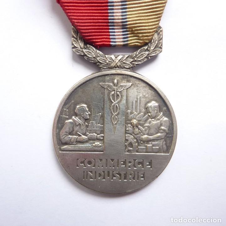 FRANCIA - 1948: MEDALLA FRANCESA MÉRITO SINDICATO GENERAL DEL COMERCIO Y LA INDUSTRIA (Militar - Medallas Internacionales Originales)