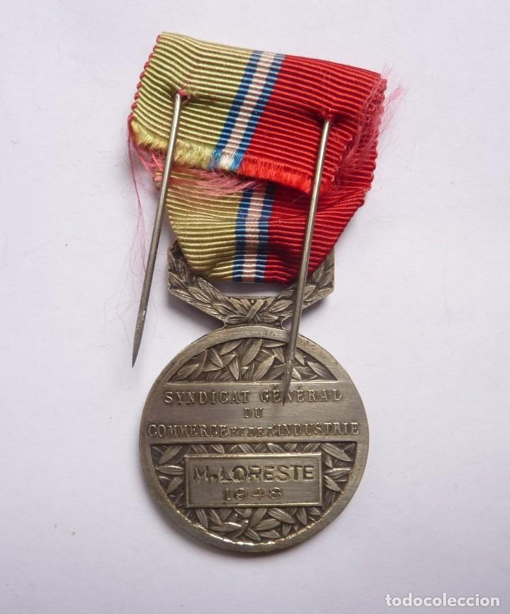 Militaria: Francia - 1948: Medalla francesa Mérito Sindicato General del Comercio y la Industria - Foto 3 - 284801533
