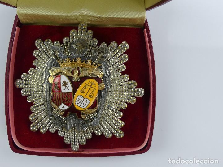 ANTIGUA Y RARA MEDALLA CONDECORACION PLACA AUDITORES DEL AIRE CON ESTUCHE OBJETO DE COLECCIÓN (Militar - Medallas Españolas Originales )