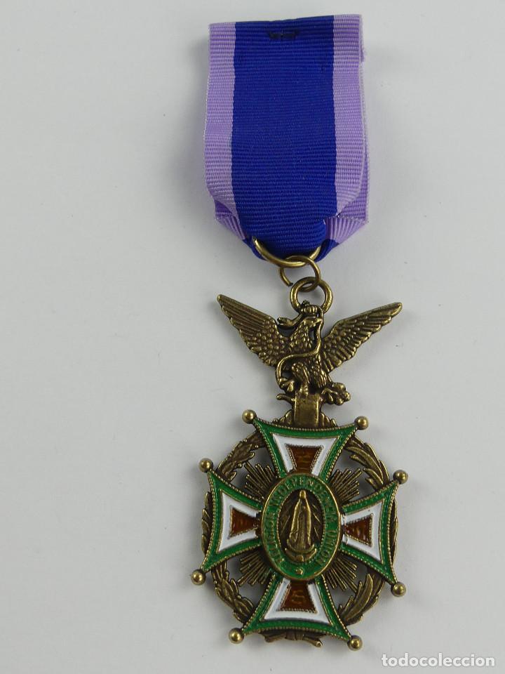MEDALLA MILITAR ESPAÑOLA AL MERITO Y VIRTUDES RELIGION INDEPENDENCIA UNION (Militar - Reproducciones y Réplicas de Medallas )