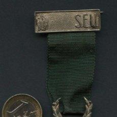 Militaria: MEDALLA DE PLATA, MEDALLA VICTOR, SERVICIOS AL S.E.U., CINTA VERDE. Lote 287152103