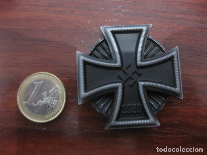 CRUZ HIERRO 1 CLASE IRON CROSS FIRST CLASS EISERNE KREUZ 1 KLASSE 1939 INSIGNIA MEDALLA NAZI (Militar - Reproducciones y Réplicas de Medallas )