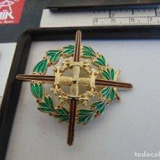 Militaria: MEDALLA REPLICA LAUREADA DE SAN FERNANDO , TIENE LA CAJA. Lote 289876448
