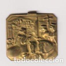 Militaria: EMBLEMA METÁLICO AUXILIO SOCIAL (2,5X3) RENDICIÓN DE GRANADA. Lote 295658163