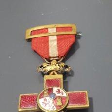 Militaria: ANTIGUA MEDALLA CRUZ DE LA ORDEN AL MERITO MILITAR CON DISTINTIVO ROJO ÉPOCA ALFONSO XIII. Lote 295793588