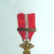 Militaria: CRUZ DE LA ORDEN DEL MERITO MILITAR CON DISTINTIVO ROJO. PENSIONADA. ÉPOCA ALFONSO XIII. CON PASADO. Lote 296762803