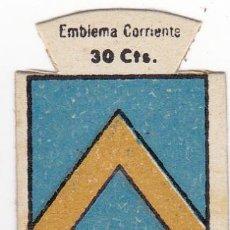 Militaria: AUXILIO SOCIAL. EMBLEMA CORRIENTE. 30 CTS. SERIE B, Nº 114. ESCUDO DE LLUCH, (ESCORCA), MALLORCA.. Lote 173087298