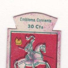 Militaria: AUXILIO SOCIAL. EMBLEMA CORRIENTE. 30 CTS. SERIE B, Nº 81. ESCUDO DE HUESCA.. Lote 41260875