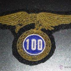 Militaria: DISTINTIVO EN TELA 100 SALTOS, PRIMERA EPOCA BRIGADA PARACAIDISTA,PERTENECIENTE A UN CORONEL. Lote 52810494