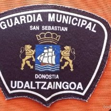 Militaria: PARCHE EMBLEMA DE BRAZO DE POLICIA UDALTZAINGOA SAN SEBASTIAN EUZKADI. Lote 56537099