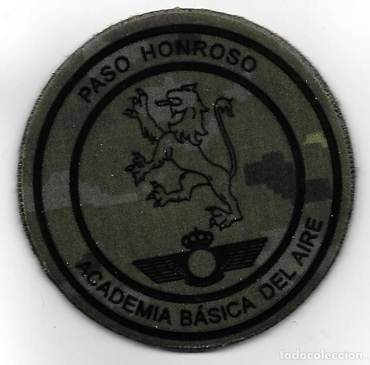 PARCHE AGA PASO HONROSO PIXELADO , CON VELCRO (Militar - Parches de tela )