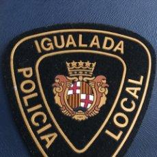 Militaria: ESCUDO POLICÍA LOCAL IGUALADA. Lote 127928730