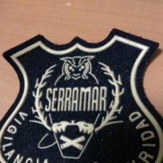 Militaria: EMBLEMA PARCHE DE BRAZO DE EMPRESA DE SEGURIDAD SERRAMAR. Lote 132519974