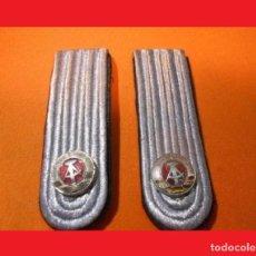 Militaria: ANTIGUAS HOMBRERAS O PALAS ORIGINALES ALEMANAS DE 10 CM. X 4 CM. SON 100% ORIGINALES Y SIN USAR.. Lote 139359006
