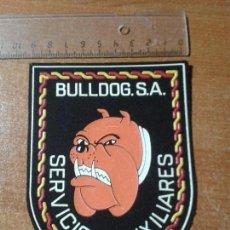 Militaria: PARCHE ESCUDO BORDADO. BULLDOG S.A. SERVICIOS AUXILIARES. GRAN TAMAÑO. Lote 143268430
