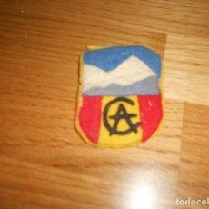 Militaria: ANTIGUO PARCHE C.A.M (CLUB ALPINISMO O MONTAÑA). Lote 178000965