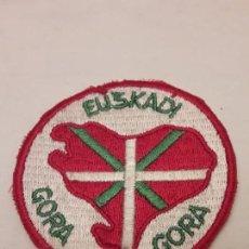 Militaria: PARCHE GORA EUSKADI. Lote 171606985
