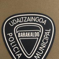 Militaria: PARCHE DE TELA POLICIA MUNICIPAL BARAKALDO. Lote 175031575