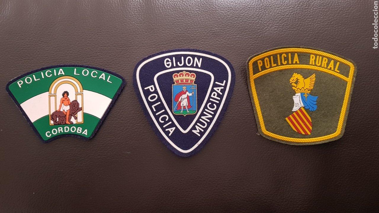 LOTE DE PARCHES DE PECHO DE LA POLICÍA LOCAL ( SE PUEDEN VENDER SEPARADOS) (Militar - Parches de tela )