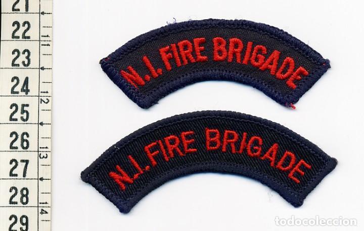 NORTH IRELAND FIRE BRIGADE - PARCHE BOMBEROS IRLANDA DEL NORTE (JUEGO DE 2) (Militar - Parches de tela )
