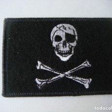 Militaria: PARCHE DE TELA DE BANDERA PIRATA. Lote 207326508