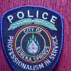 Militaria: PARCHE EMBLEMA DISTINTIVO POLICIAL, POLICIA EUREKA SPRINGS ESTADOS UNIDOS USA. Lote 215144732