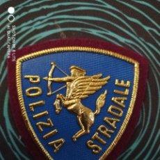 Militaria: PARCHE POLICIA TRAFICO ITALIA. DISTINTIVO POLICIAL EMBLEMA ESCUDO DE CARRETERAS. Lote 227612700