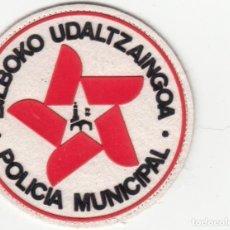 Militaria: PARCHE TELA PECHO: POLICIA MUNICIPAL DE BILBAO AÑO 1990. Lote 229670540