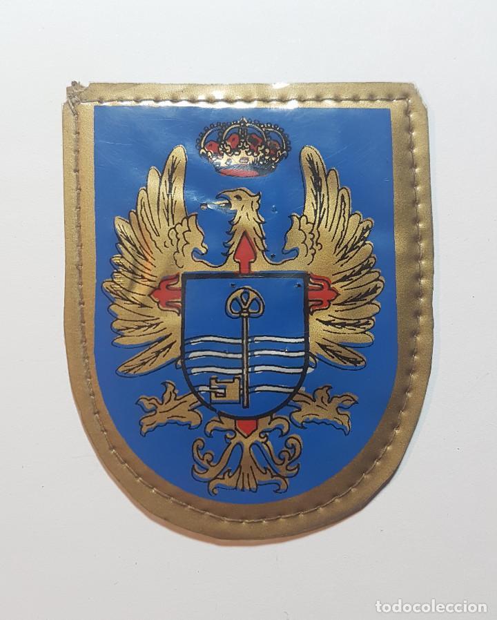 ESCUDO DESTINO 2ª REGION MILITAR - SEVILLA - EJERCITO DE TIERRA (Militar - Parches de tela )
