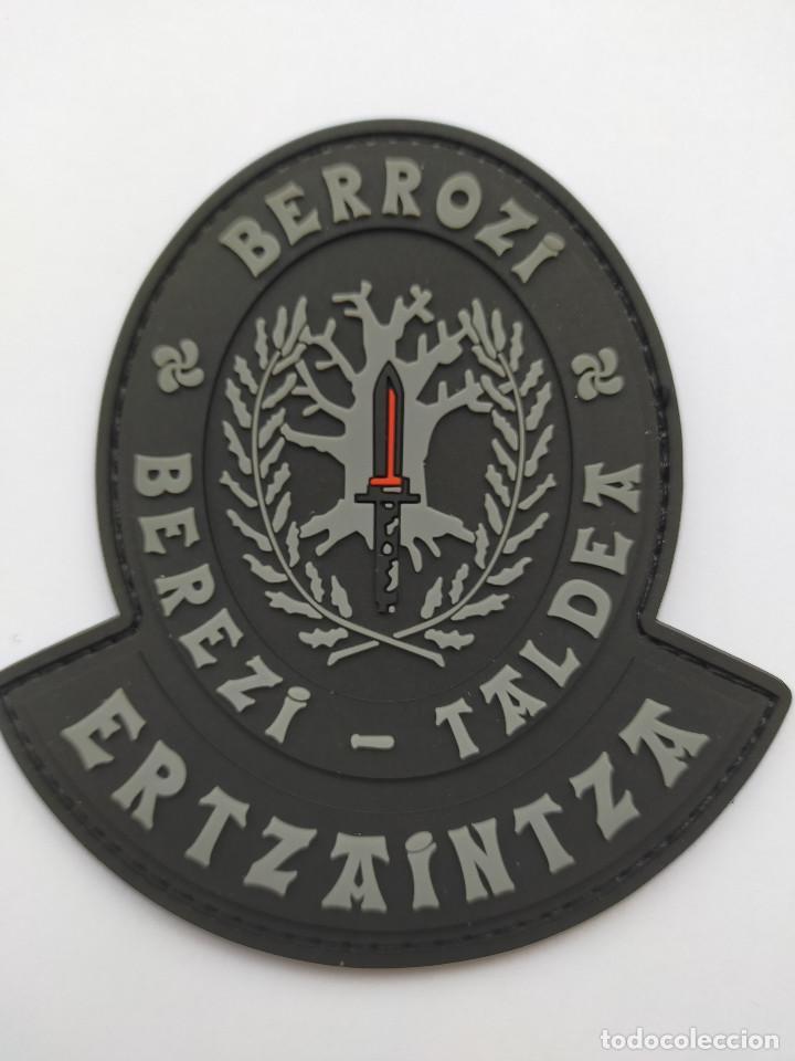 PARCHE POLICÍA ERTZAINTZA (BERROZI) PVC 2D CON VELCRO (Militar - Parches de tela )