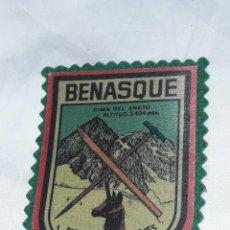 Militaria: ANTIGUO PARCHE BENASQUE PIRINEO ARAGONÉS. Lote 238576140