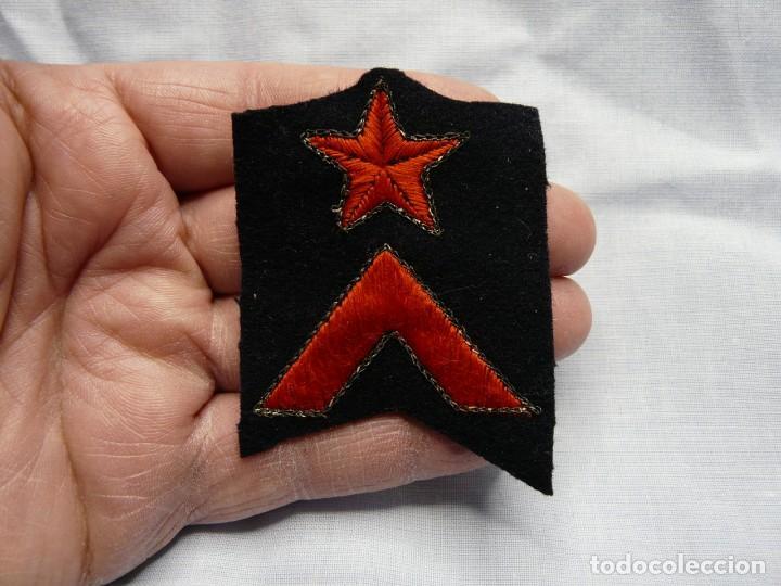 Militaria: PARCHE CABO GUARDIA DE ASALTO REPUBLICA ORIGINAL - FABRICADO POR CASTELLS - GUERRA CIVIL - Foto 2 - 234363930